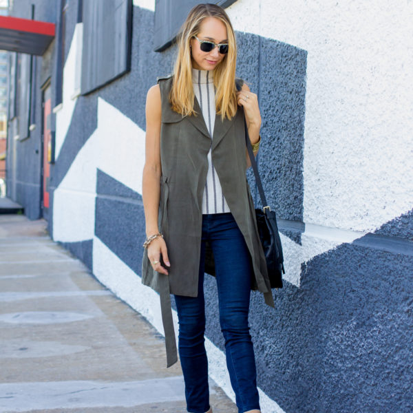 duster vest, striped shirt and skinny jeans, fall fashion — via @TheFoxandShe