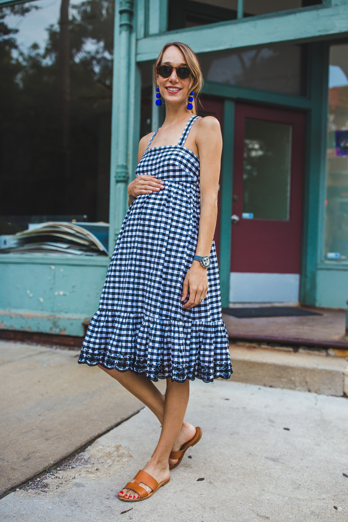 gingham dress, bump outfit