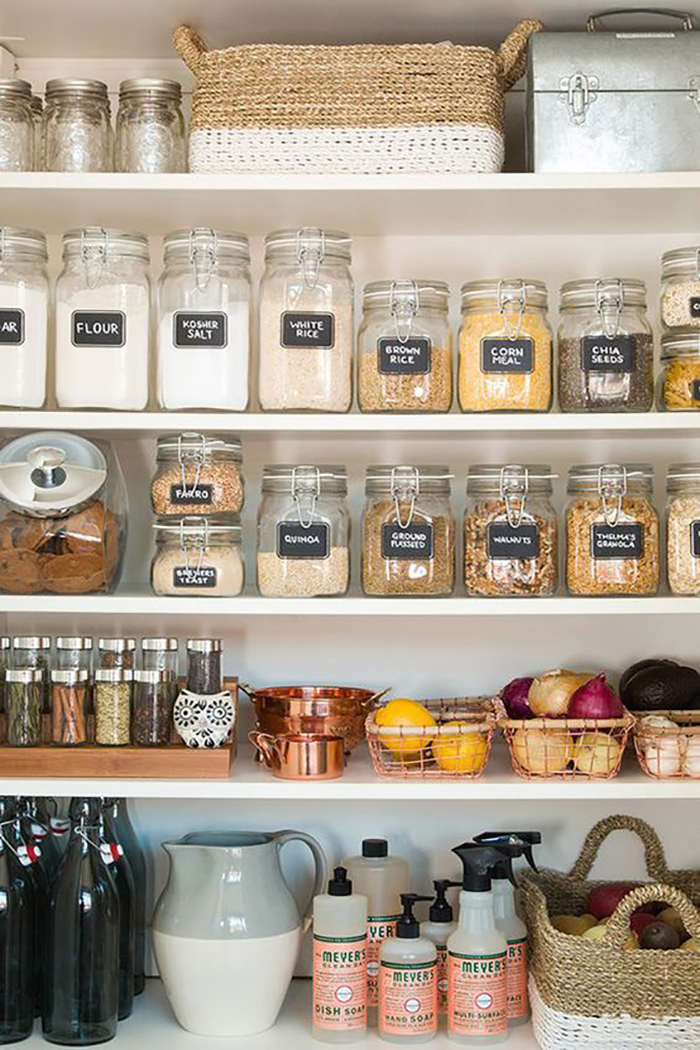 7 Tips for Decluttering your Space: organized pantry