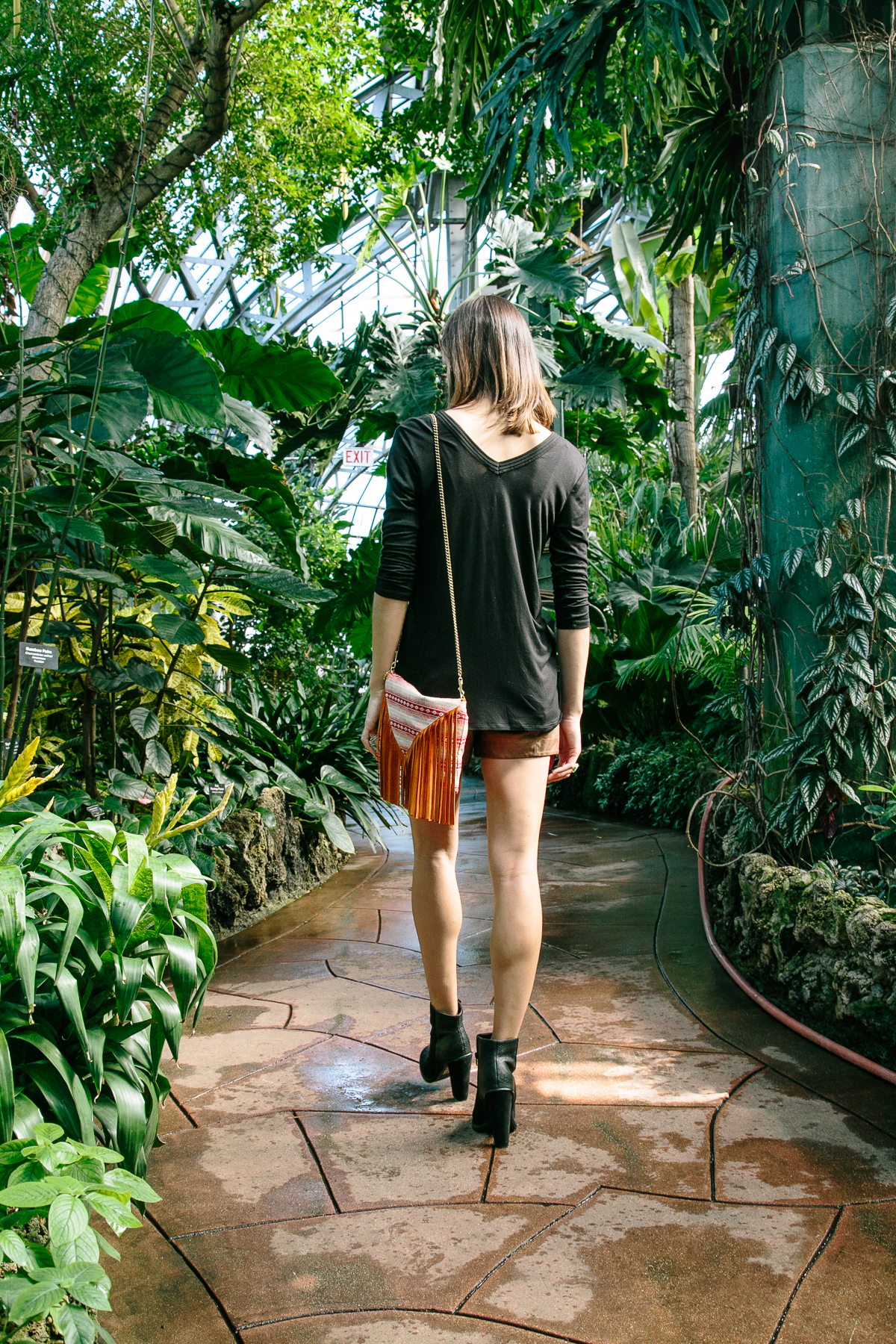 vegan leather shorts, quilted leather shorts, leather shorts, spring outfit, the fox and she, blair culwell staky