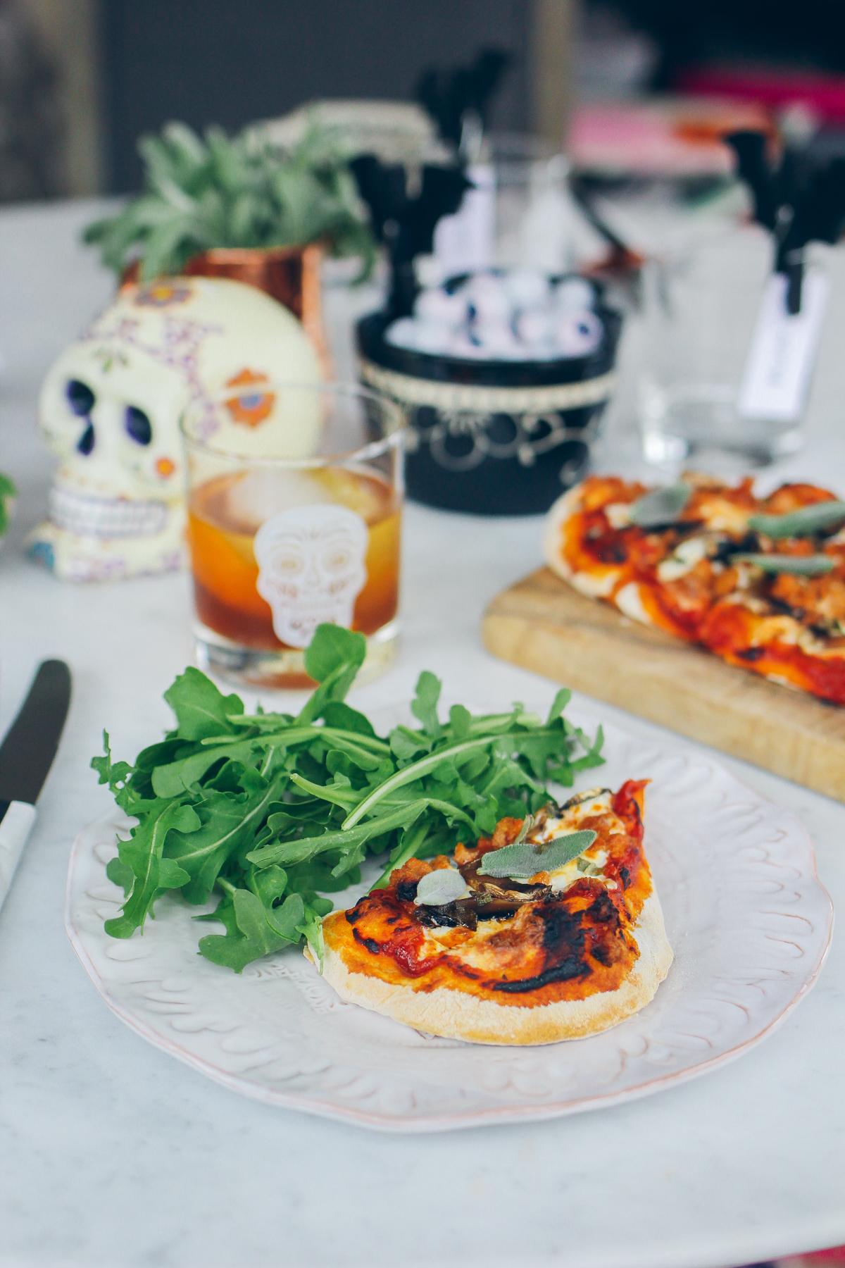 simple dinner, homemade pizza and arugula salad —via @TheFoxandShe