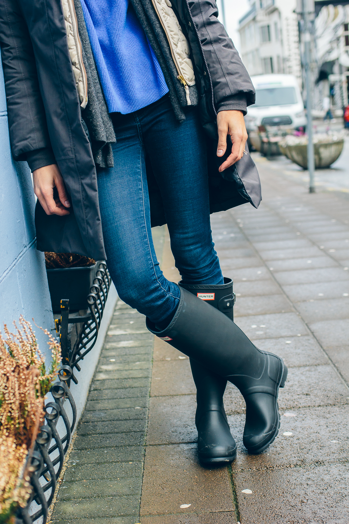 matte black original tall hunter boots, how to wear rain boots, what to wear in iceland, Iceland travel guide —via @TheFoxandShe