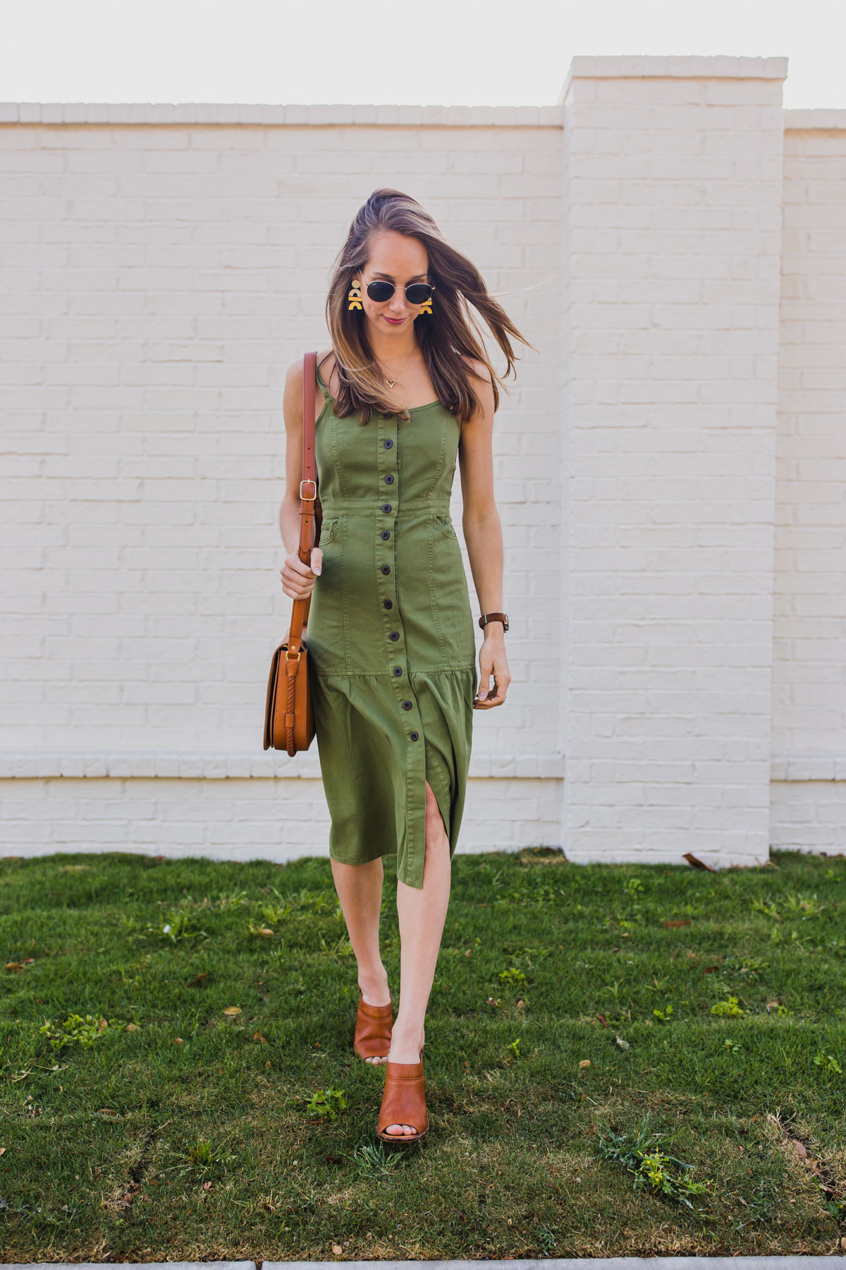 outfit ideas for women: midi dress outfit