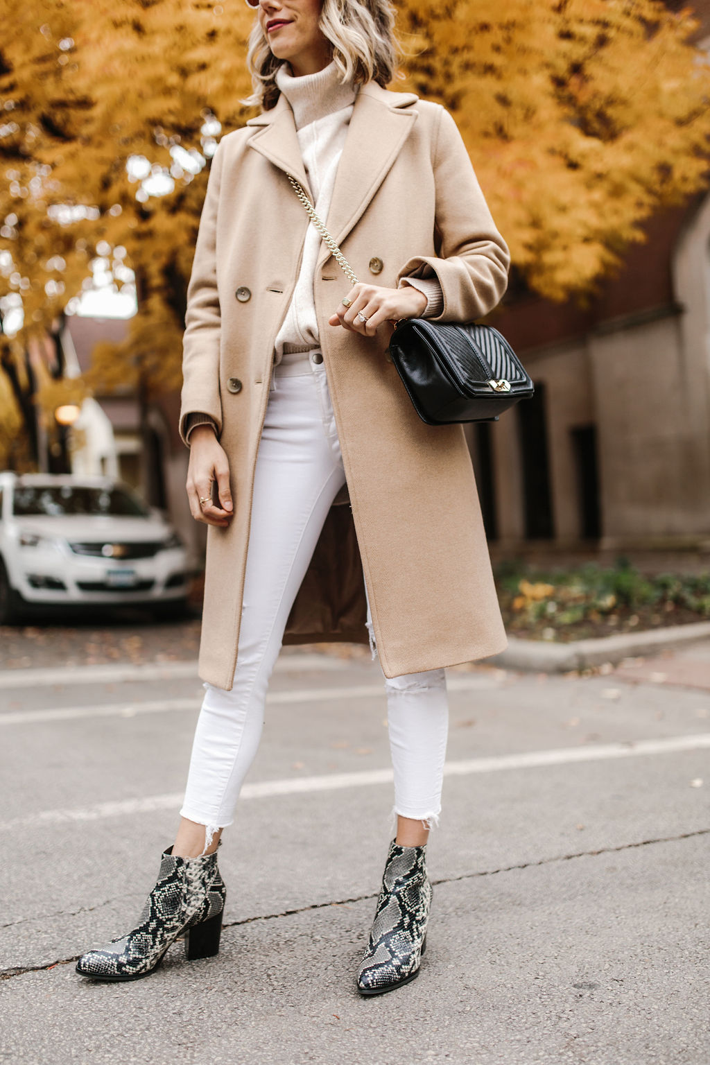white jeans outfit fall