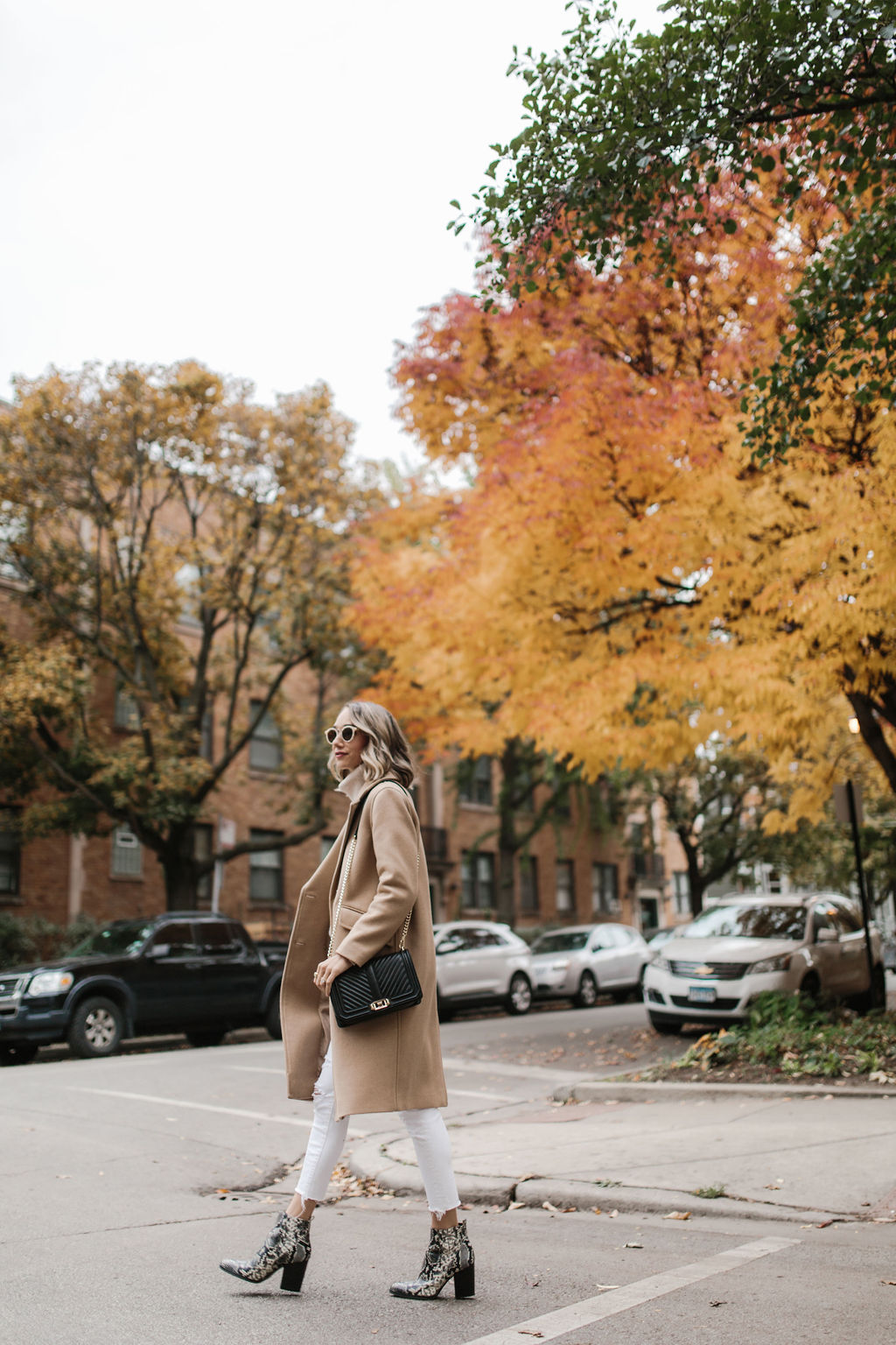 neutral outfit fall